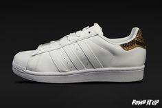 Adidas Superstar W (FTWWHT/FTWWHT/CBLACK) For Women Sizes: 36 to 41.5 EUR Price: CHF 130.- #Adidas #Superstar #AdidasSuperstarW #SneakersAddict #PompItUp #PompItUpShop #PompItUpCommunity #Switzerland Baskets, Chf, Adidas Superstar, Switzerland, Adidas Sneakers, Shoes, Women, Fashion, Undertaker