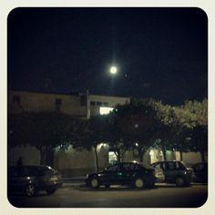 Salida de casa, inicio del día , luna a las 7 de la mañana :)