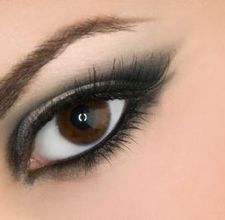 Using Vaseline for Darker Eyeshadow
