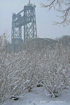 Winter scene showing railway bridge De Hef, Rotterdam, the Netherlands