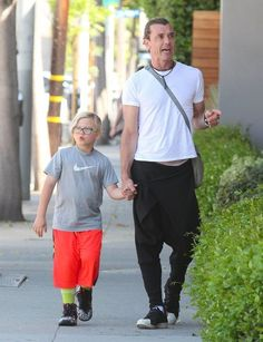 Gavin Rossdale takes his son Zuma shopping