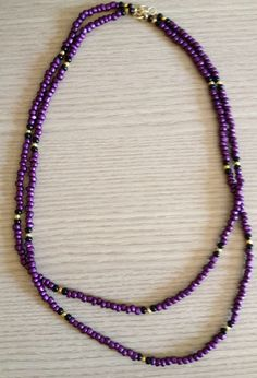 Purple beaded necklace colar roxo