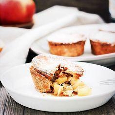 http://ift.tt/2kg0Vzf SUNDAY BREAKFAST GOALS  Wie wär's mit ein paar leckeren wunderbar duftenden Apfelküchlein? Andrea @candbwithandrea gibt welche aus  Die sind super schnell zubereitet und versüßen euch garantiert den (verschneiten ) Sonntag. Auf dem Blog  findet ihr das Easy-Peasy-Rezept den Direktlink im Profil #linkinbio  . Ich wünsche euch einen wundervollen Sonntag ihr Lieben  . . #filizity #lifestyle #blogger_de #koblenz #germanblogger