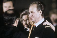 En la imagen, la Reina llora la muerte del padre de don Juan Carlos, el Conde de Barcelona © Archivo ¡HOLA!
