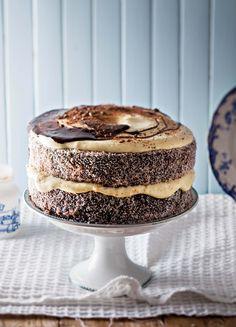 Lamingtons is & lekkerte van Australië wat al so deel is van ons kultuur d., Lamingtons is & lekkerte van Australië wat al so deel is van ons kultuur dat jy kan glo ystervarkies, soos ons dit noem, is hier gebore. Geniet S. My Recipes, Sweet Recipes, Baking Recipes, Cake Recipes, Dessert Recipes, Favorite Recipes, Desserts, Recipies, Pie Dessert