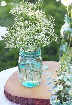 DIY Vintage Mason Jars - Vintage mason jars belong in every vintage kitchen! But you may not always be able to find genuine vintage ones. This DIY will show you how to recreate the vintage blue look yourself!