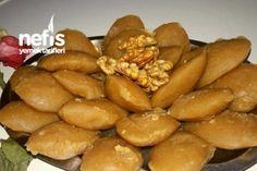 Tam Ölçülü Un Helvası (Çok Nefis) Tarifi Food Words, Turkish Recipes, Pretzel Bites, Bon Appetit, Tea Time, Deserts, Food And Drink, Bread, Meals