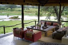 Exeter River Lodge Lounge area