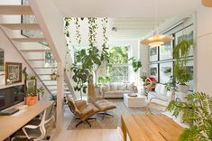 A 'Generous' Home, in 660 Square Feet - The New York Times Small Space Living, Living Area, Small Spaces, Living Rooms, Living Spaces, Mezzanine Bedroom, Tiny Loft, Rm 1, Sleeping Loft