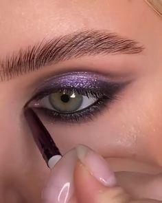 Makeup Videos, Makeup Tips, Goth Eye Makeup, Makeup Inspiration, Anna, Make Up, Tutorials, Skin Care, Eyes