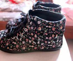 Black Floral Shoes
