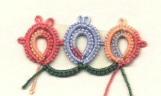 Double onion ring and chain repeat (tatting)
