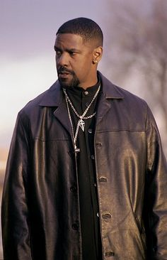 Denzel Washington as Detective Alonzo Harris (Training Day, Antoine Fuqua Denzel Washington Training Day, Afro, Actrices Sexy, Cinema Tv, Black Actors, The Jacksons, Hommes Sexy, Best Actor, Successful People