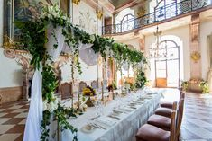 Styled Shooting Hochzeit im Schloss Leopoldskron Weddings, Table Decorations, Beautiful, Furniture, Home Decor, Style, Floral Headdress, Flower Arrangement, Getting Married