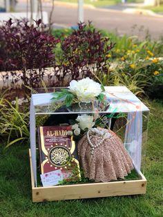 Wedding Mood Board, Wedding Ring Box, Wedding Boxes, Diy Wedding, Wedding Gifts, Blue Wedding Decorations, Engagement Party Decorations, Wedding Hamper, Wedding Baskets