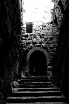 The Castle Dungeon and the Oubliette: Uncovering the truth behind these medieval prisons