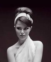 Fashion and Lifestyle Pin Up Hair, Estilo Retro, Vestidos Vintage, Grease, Marie, Population, Hairstyle, Makeup, Hair Ideas