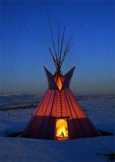Tipi, Blackfoot