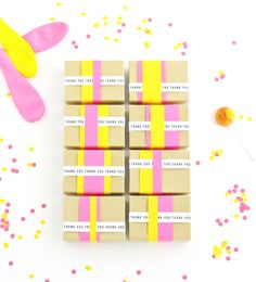 Detalles alegres para fiestas, de Oh Happy Day via blog.fiestafacil.com / Cheerful party favours, by Oh Happy Day via blog.fiestafacil.com