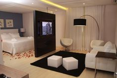 Small Apartment Interior, Studio Apartment Decorating, Apartment Layout, Home Interior Design, Garage Studio Apartment, Living Room Decor, Bedroom Decor, Small Studio Apartments, Studio Living