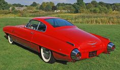 DeSoto Adventurer II (1954) designed by Chrysler's Virgil Exner, with Ghia's Luigi Segre and Giovanni Savonuzzi. With Chrysler Hemi V-8 power and Italian coachwork, it was a two-seat grand tourer rather than a sports car
