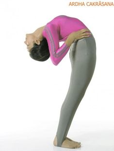 Hip Flexor Strain Exercises For Fast Recovery From Injured Hip Flexors Hip Flexor Pain, Hip Flexor Exercises, Tight Hip Flexors, Back Pain Exercises, Stretches, Arm Muscles, Major Muscles, Stiff Knee