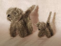 Chien et son petit  tricoté avec de la laine par mamancigogne, €20.00