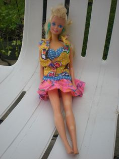 i hated barbies, i had a whole set though, including a doll house and furniture and bath and everything you have in a normal house!