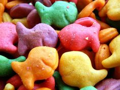 rainbow goldfish crackers....a nice break from all the sugar!