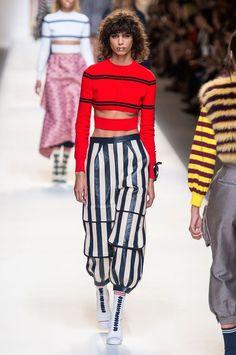 a714995d9 Adora listras  Nova tendência de moda é combiná-las com... listras