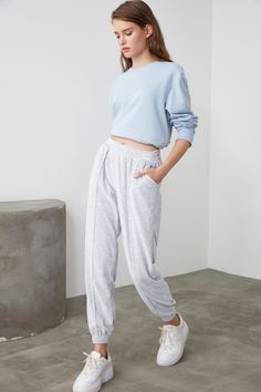 Model Dimensions: Height: 1.74, Chest: 79 Waist: 57, Hip: 87 The product on the mannequin is S / 36 size. 85% Cotton 15% Polyester, Knitted Fabric Our products will be sent with the label of Quenmadam. < A maximum of 10 of this product can be ordered. Quenmadam reserves the right to cancel orders over 10. More than 100 stocks have been offered to be sold at the campaign... #Woman, #SportsOutdoor, #Sportswear, #Tracksuit, #SixoftheSweatpants, #QuenmadamMILLAEsofmanSix Plaid Jacket, Shirt Jacket, Skin Cleansing Brush, Knitted Fabric, Knitwear, Sportswear, Denim Shorts, Black Leather, Normcore