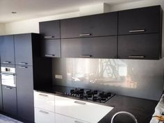 Interieur   Keukenglas geeft je keuken een luxe uitstraling - Stijlvol Styling woonblog www.stijlvolstyling.com