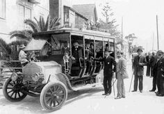 First bus to Estoril, Portugal 1912 Old Images, Old Pictures, Old Photos, Jet Ski, History Of Portugal, Emotional Pictures, Visit Portugal, Classic Sports Cars, Antique Photos