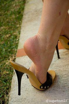 Wooden mules and popped heel Very High Heels, Hot High Heels, High Heel Boots, Sexy Sandals, Bare Foot Sandals, Beautiful High Heels, Sexy Legs And Heels, Female Feet, Women's Feet