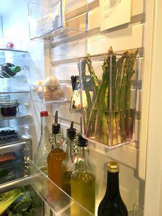 flexibel förvaringslösning på kylskåpsdörren