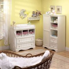 chambre de bébé commode et armoire en bois solide