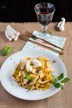 Olivas en la cocina: Pasta con setas shimeji y huevo poché