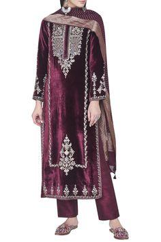 Designer Suits - Buy Laksh Suit for Women Online - - Anita Dongre Velvet Suit Design, Velvet Dress Designs, Velvet Kurtis Design, Pakistani Formal Dresses, Pakistani Dress Design, Velvet Pakistani Dress, Pakistani Designer Suits, Pakistani Suits, Dress Indian Style