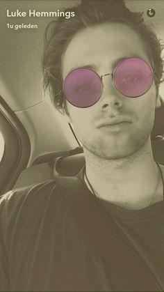 Luke 5sos snapchat