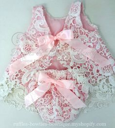 This gorgeous lace dress set is absolutely stunning. Heavy Lace Material makes up a beautiful dress with a open back and tie bow. Baby Girl Dress Patterns, Baby Clothes Patterns, Dresses Kids Girl, Baby Dress, Girl Outfits, Flower Girl Dresses, Dress Set, Ruffles, Shabby Chic Baby
