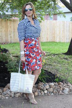 Flower Power – Ageless Style Link-up Pencil Dress Outfit, Pencil Skirt Casual, Pencil Skirt Outfits, Pencil Skirts, Cheetah Print Outfits, Leopard Outfits, Plaid Outfits, Casual Curvy Fashion, Curvy Fashion Summer
