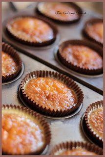 cake Recepten muffins - Malva Pudding Cupcakes with Amarula Mascarpone Icing Pudding Cupcakes, Pudding Desserts, Pudding Recipes, Cheesecake Pudding, Hot Desserts, Plated Desserts, Cupcake Recipes, Baking Recipes, Cupcake Cakes