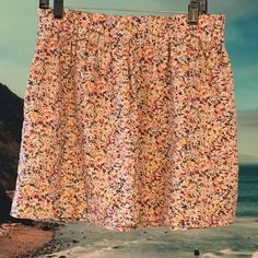 J. CREW floral mini skirt This beautiful skirt is 100% cotton and has the cutest multicolored floral print! It's absolutely perfect for spring and summer. I love that it has pockets! Tagged a size 6, but I think it runs a little larger. ALL REASONABLE OFFERS CONSIDERED! J. Crew Skirts Mini
