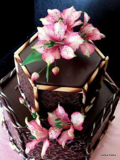 Čokoládová s alstromériami