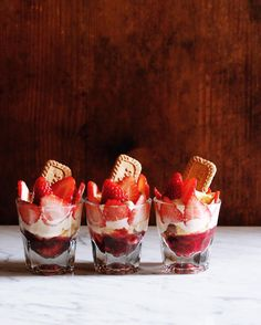 "9,099 Likes, 20 Comments - Masaki Higuchi (@higuccini) on Instagram: ""Strawberry Trifle . おやつにイチゴでミニトライフル😋 . #トライフル #いちご #イチゴ #苺 #スイーツ #おやつ #strawberrytrifle #strawberry…"""