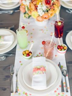 Make a Fingerprint Table Runner for Mother's Day : Holidays and Entertaining : Home & Garden Television