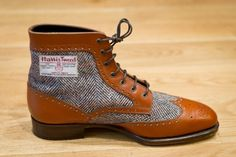 The more the days go by, the more I feel that Japan might quickly be becoming the mecca for fine footwear and amazing shoemakers. It is known that when the Japanese culture takes ahold of something…