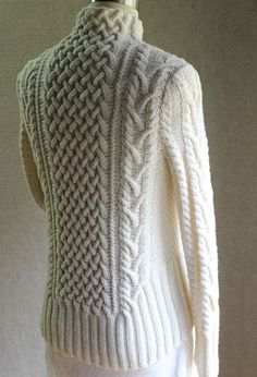 I need to work on my cable skills. This would be the most lovely sweater. Ravelry: Shakespeare in Love pattern by Carol Sunday Cable Knitting, Sweater Knitting Patterns, Knitting Stitches, Knitting Designs, Knit Patterns, Knitting Projects, Hand Knitting, Cardigan Pattern, Cable Knit Throw