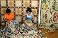 bordadeiras de tapetes de Arraiolos