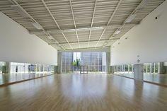 Pabellón de Deportes Lardy / Explorations Architecture